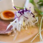がふうあん - 料理写真:1)鶏のこく塩ラーメン(750円)