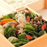 神戸プレジール - 料理写真:彩り豊かな旬菜とお肉は、蒸す事によりふっくらと柔らかく本来の旨みが凝縮されます。(2名様~)