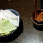 土間土間 - お通し1人350円×3人分=1050円の野菜です!