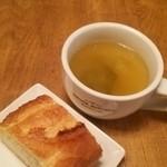 35801213 - 野菜たっぷりスープにバケットはお替りOK!