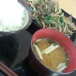ぴゅあ食堂 - 料理写真:レバニラ定食