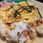 釜あげ饂飩 楽 - ちらし寿司
