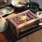 山椒の木 - 料理写真:人気メニュー「うなぎせいろ蒸し昼膳」1800円。