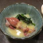 十割蕎麦みかあさ - ホタルイカの酢味噌和えは、いわゆるイカ臭さなくホタルイカの美味しさを楽しめます。