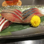 十割蕎麦みかあさ - 〆鯖です。みずみずしく旨し!