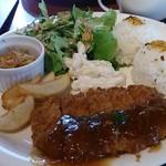 アロハテーブル ハワイアンダイナー ウィズ ムゥムゥコーヒー - 「ロースカツレツBBQソースwithスープ・フリードリンク」(850円)