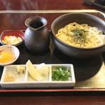 うどん本陣 山田家 - 釜ぶっかけ +卵黄入 (570+60円) '15 2月上旬
