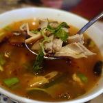タイ料理レストラン ジンラック - トム・セップ・ムー 1500円 豚の内臓スープ