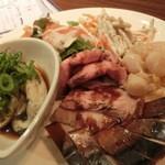 ぼくらの食卓 - 料理写真:紳士がご注文の前菜10種盛り。1680円