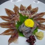 割烹 小川 - 料理写真:ホタルイカの造りです。