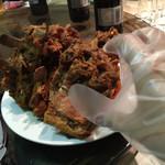 35897661 - 骨つき豚肉を煮たやつ。手で食べます。柔らかくて美味しい!
