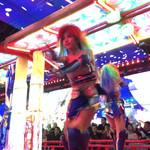 35904183 - ショーのダンサー