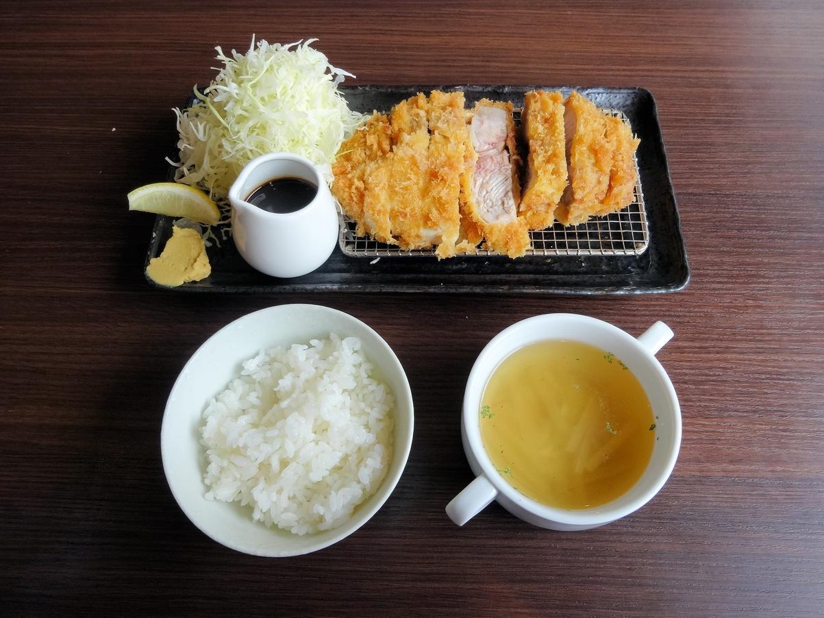 洋食かつ 兎