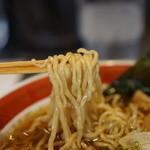 ソラノイロ ジャパニーズ スープ ヌードル フリー スタイル - 麺のアップ