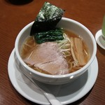 R&B  - 夜鳴き醤油ら~麺ハーフ