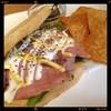 peripatos - 料理写真:ローストビーフサンド\950yen  バジルソースとフライタコス付き  何でここ店はサンドがこんなに旨いんだ⁉️(⌯͒• ɪ •⌯͒)