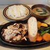 キッチンぶるとっく - 料理写真:煮込みハンバーグ+ライス(味噌汁付)