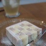 けんちくとカフェ kanna - 木いちごのチェッカーケーキ