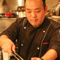赤坂や青山で美食家の舌を唸らせてきた新シェフの料理をお手軽に