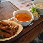 and people - パルマ豚トロ&シマチョウ焼きプレート