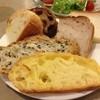 ベルクオーレ - 料理写真:食べ放題のパン