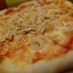 スマイルキッチン ピザダイナー - シーフードとガーーーーリックピザ