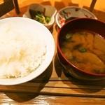 浪花ろばた 頂鯛 - 頂鯛定食Plus(ご飯&豚汁)