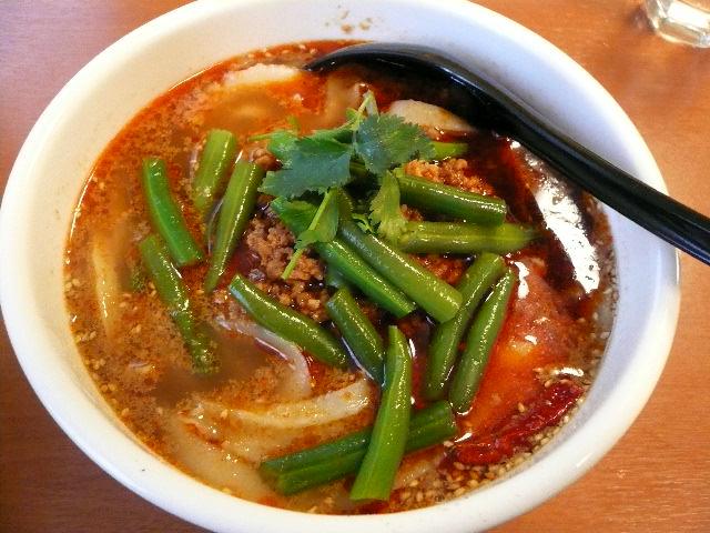 龍興刀削麺舗
