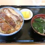 玉半食堂 - 食べ応えのあるカツ丼、700円
