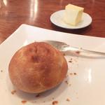 ビアンヴニュ - 御影ジュエンヌで提供されたもち粉をつかったパン