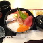 36235726 - 特選海鮮丼 1600円 【 2015年3月 】
