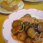 cafe PATIO - 料理写真:なすとベーコンのパスタ