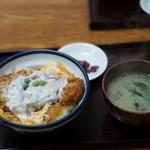坂本屋 - かつ丼800円