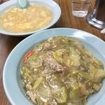 千代飯店 - 焼きそばと玉子スープ