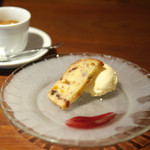Vivo - ドルチェ 木ノ実とドライフルーツのバターケーキ(ランチ)