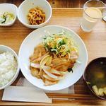 サイン カフェ ベリー ユー - 生姜焼き定食 980円