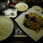 中華料理 菜香菜 - キクラゲ炒め ¥650-