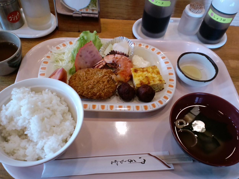 富山県警察本部 食堂