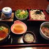 寿司処 神田 - 料理写真:鴨汁うどん、いくら丼セット。  いくらの量が激減してました。 しかも、値段も 1260円から、1500円に値上げされてました。