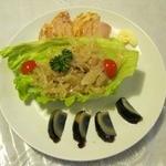 虎 - 料理写真:前菜三種盛り(700円)