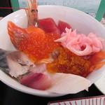 おやじのきまぐれ食堂 - 海鮮丼定食
