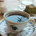 下下味亭 吉茶 - 自家焙煎コーヒー 480円 ケーキ420円(飲み物セットで100円引き)