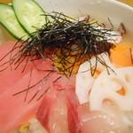 和彩料理やまなか - 海鮮ちらし丼