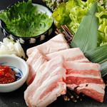 焼肉の龍園 - 熊本もち豚のサムギョプサル