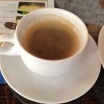 晴れた空のテラス - ホットコーヒー