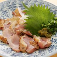 焼酎にピッタリ!宮崎地鶏のタタキなど、肉料理も豊富