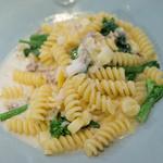 アマルフィイ キッチン - 黄カブとやまゆりポークのショートパスタ ゴルゴンゾーラのクリームソース