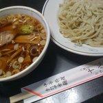 十八番 - 料理写真:出前で注文つけ麺