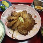 梅香苑 - 料理写真:焼き豚定食。