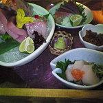 京の町 - 本日とれたて鮮魚のお刺身五種盛り・泡醤油